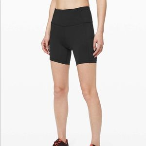 lululemon | Fast and Free Short HR Sz 6